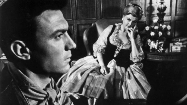 Laurence Harvey and Angela Lansbury in The Manchurian Candidate