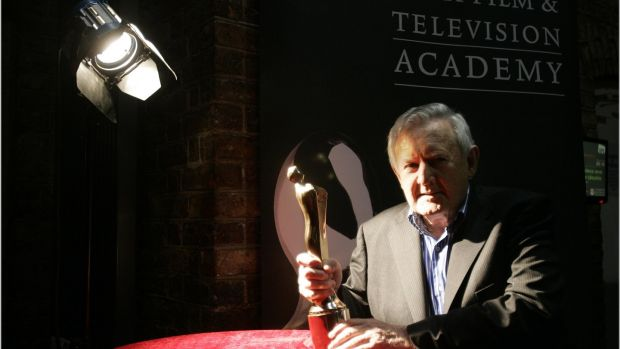 Niall Tóibín presented with an Ifta Lifetime Achievement Award in March 2011. Photographer: Dara Mac Dónaill
