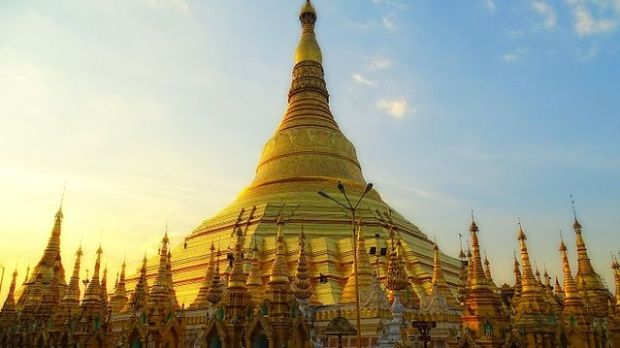 Shwedagon Pagoda is the most sacred Buddhist pagoda in Myanmar. Dhammaloka insisted that local customs be respected and westerners should be refused entry if wearing footwear. Photograph: Wiki Commons