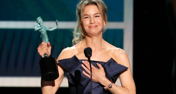Renee Zellweger accepts the Screen Actors Guild award for best female actor in a  leading role for Judy. Photograph: Mario Anzuoni/Reuters