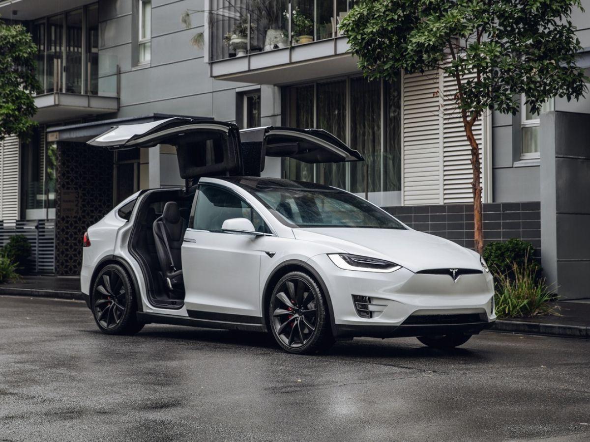 Tesla S Next Gen Model X A Frustrating 95k Drive But Everyone Else Will Love It