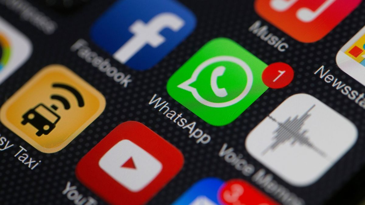 Sports clubs and political parties advised not to use WhatsApp