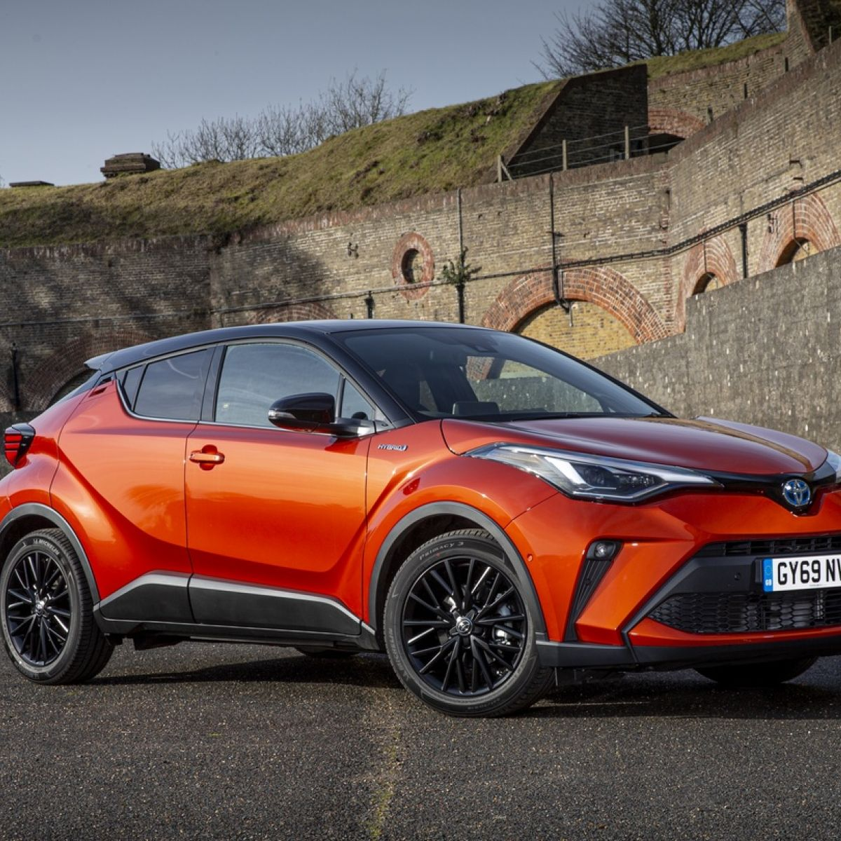 Kelebihan Kekurangan Toyota Premium Spesifikasi