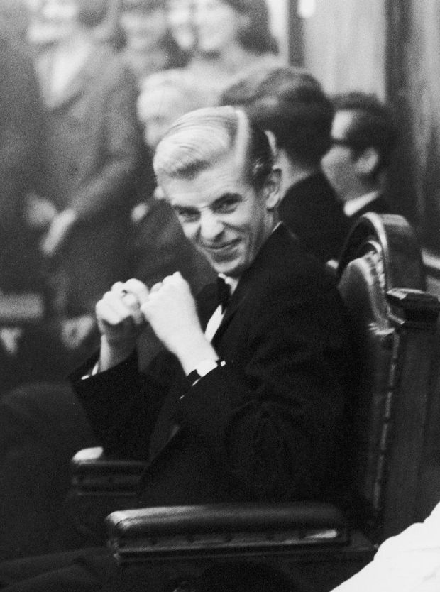 LandH. Henry Kelly (auditor 1967-8) in the chair, October 1969.