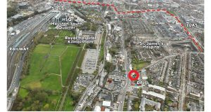 An aerial view shows the proximity of  72-74 Old Kilmainham Road to St James's Hospital and Heuston Station.