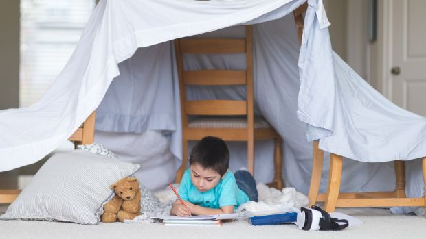 Ages 4-6: Now's the perfect time for making dens and forts