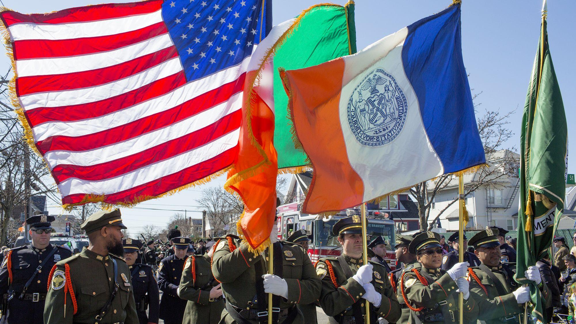 The Irish in America: Long Journey Home : All Across America