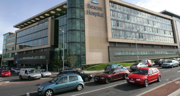 Sandyford man on trial for stabbing sister in the neck