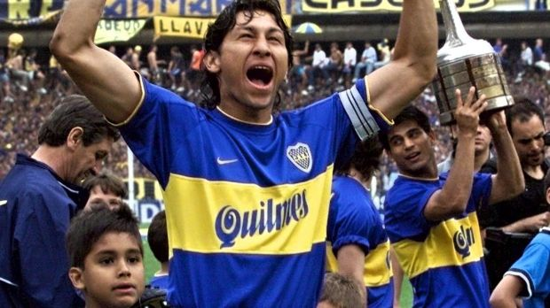 Boca Juniors' Jorge Bermudez celebrates as the Intercontinental Cup is paraded at La Bombonera in Buenos Aires on December 3rd, 2000. Photograph: Fabian Gredillas/AFP via Getty Images