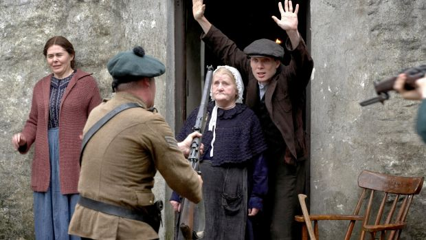 Mary Murphy, Mary Riordan and Cillian Murphy in The Wind That Shakes the Barley