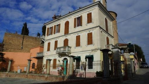 This period building in Italy is situated in the hilltop village of Castelnuovo Calcea