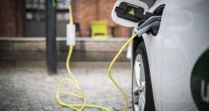 Just 9,170 vehicles in the national car fleet is fully electric, according to new figures from the Department of Transport.
