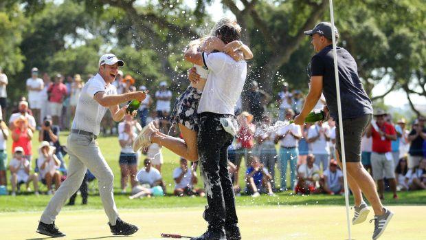Christian Bezuidenhout célèbre sa victoire aux Masters d'Andalousie. Photographie: Warren Little / Getty Images