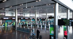 Aer Lingus chief executive Sean Doyle has called on the Government to remove the quarantine restrictions on people travelling into the country by the end of June.