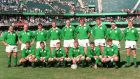 The Ireland team for the Rugby World Cup quarter-final against France. Back Row (L-R) Nick Popplewell, Gary Halpin, Eric Elwood, David Corkery, Paddy Johns, Neil Francis, Gabriel Fulcher, Paul Wallace and Simon Geoghegan Front Row (L-R) Brendan Mullin, Darragh O'Mahony, Niall Hogan, Conor O'Shea and Jonathan Bell. Photograph: Billy Stickland/Inpho