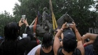 Crowds cheer as statue of Stonewall Jackson removed in Virginia