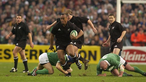 Jonah Lomu in action for New Zealand against Ireland at Lansdowne Road in November 2001. Photograph: Dave Rogers/Allsport
