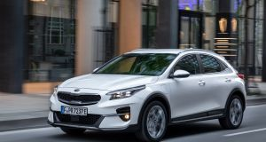 Kia Xceed: The €29,000 price point puts it right in the mix against regular hybrid rivals