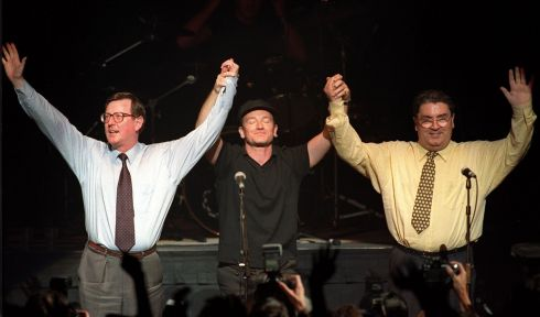 19/05/98 Unionist leader David Trimble, SDLP leader John Hume and Bono and U2 pictured together on stage at the Waterfront hall in Belfast for a concert to promote a YES vote in the referendum on that Friday. 