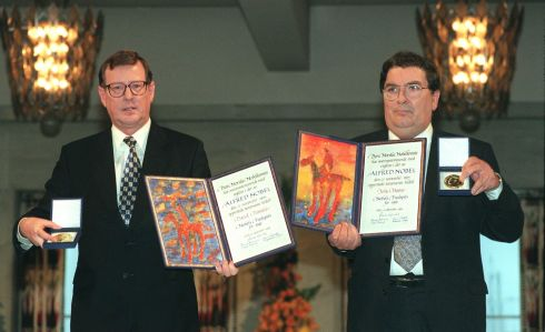 10/12/1998. The Nobel Peace Prize winners, First Minister David Trimble and John Hume MEP display the Alfred Nobel medals and diplomas during the presentation ceremony in  Oslo City Hall.