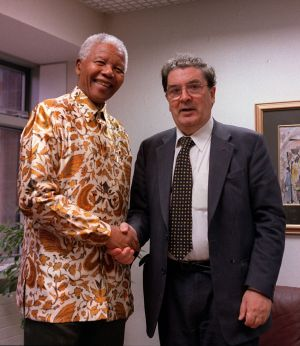 12/04/2000. Former South African President Nelson Mandela meeting John Hume at the South African Embassy in Dublin, the former SDLP leader has died at the age of 83. Photograph: PA