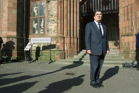 27/03/2000. The SDLP leader Mr John Hume outside the Bloody Sunday Inquiry at the Guildhall in Derry.  Photograph: Frank Miller / The Irish Times