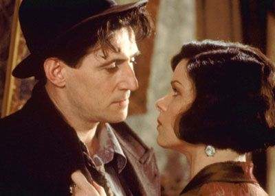 Gabriel Byrne and Marcia Gay Harden in 'Miller's Crossing'.