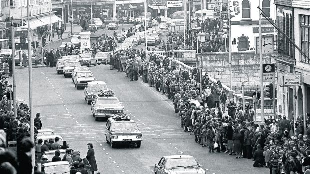 Christy Ring's funeral passing over Patrick's Bridge in 1979. Photograph courtesy of the Irish Examiner