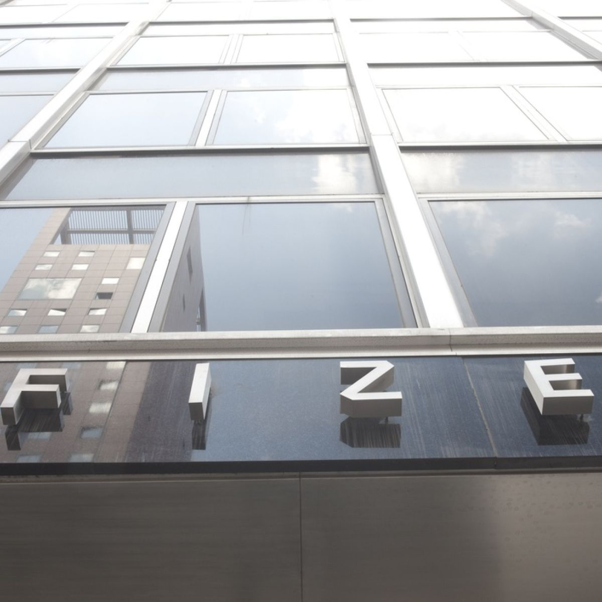 Eu Reviewing Pfizer Biontech Covid 19 Vaccine In Real Time
