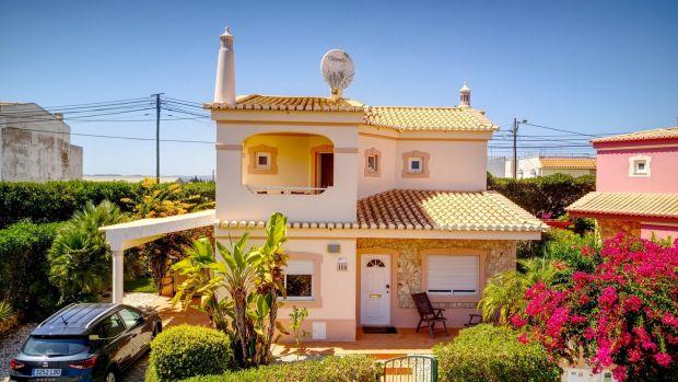 Ez a portugál villa az Oasis Parque Country Club területén található.