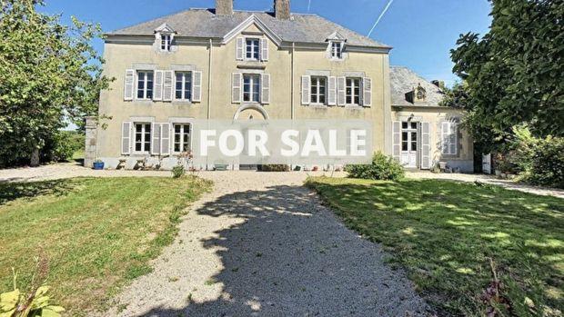 Ez a francia 18. századi kastély mindössze 15 percre található a helyi strandoktól.
