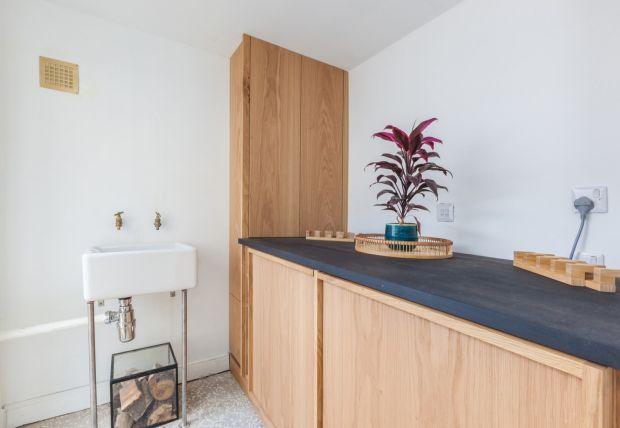 Smart, oak cabinetry