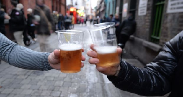Covid-19: Government to ban takeaway pints for remainder of lockdown Image