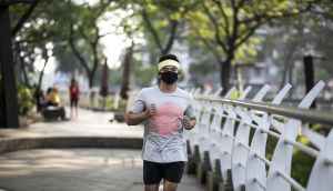 Few people who exercise don masks with enthusiasm when it comes to vigorous workouts, convinced that they will make our faces sweaty, breathing laboured and workouts more draining. Photograph: Rudi Suardi/iStock