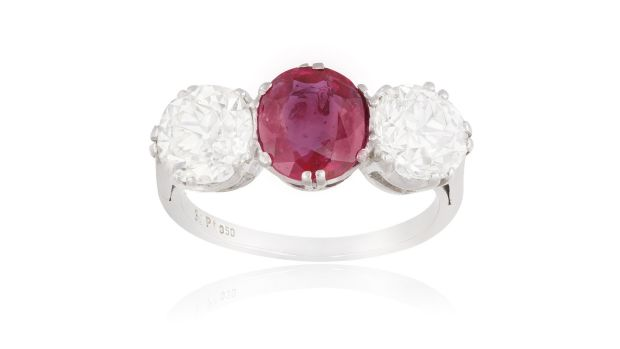 Burmese ruby and diamond ring (Lot 194 €10,000-€13,000)