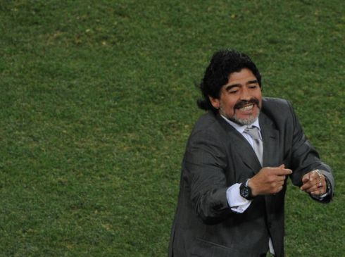 Diego Maradona gestures to his players during the 2010 World Cup round of 16 match between Argentina and Mexico. Photo: PEDRO UGARTE/AFP via Getty Images