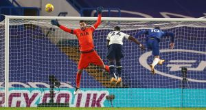 Christian Pulisic sends a late header wide during Chelsea's draw with Spurs. Photograph: Clive Rose/PA