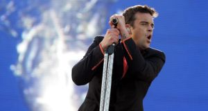 The Music Quiz: Who's that duetting with Robbie Williams on Somethin' Stupid?