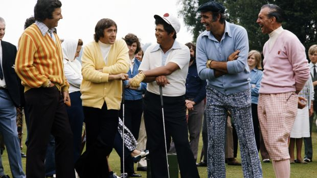 Peter Alliss, Jackie Stewart, Lee Trevino, Sean Connery and Max Faulkner during the filming of the Television programme 'Master Golf' at Walton Heath Golf Club on July 19th, 1972 in Tadworth, England. Photo: Peter Dazeley/Getty Images