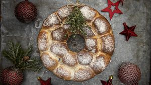 Aoife Noonan's blue cheese and red onion festive bread wreath. Photograph: Harry Weir Photography