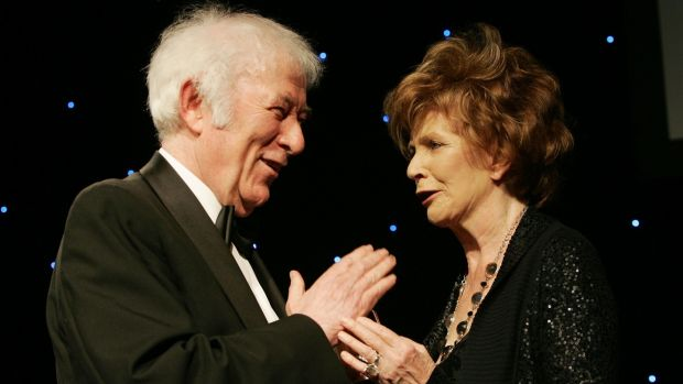 Seamus Heaney presents Edna O'Brien with the Bob Hughes Lifetime Achievement Award at the Irish Book Awards in Dublin's Mansion House in 2009. Photograph: Alan Betson