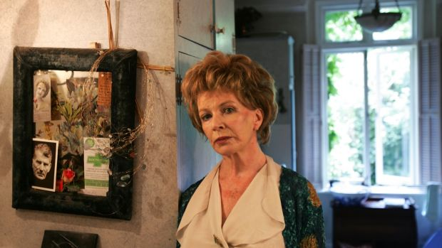 Edna O'Brien in her London home in 2006. Photograph: Frank Miller