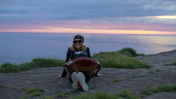 Sharon Shannon at the Cliffs of Moher