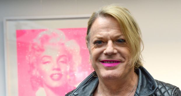 Eddie Izzard To Use The Pronouns She And Her