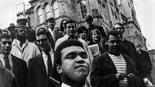 Eight days in prison of Muhammad Ali before Christmas