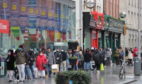 A sizable queue at Tesco, Parnell Street,  Dublin's this new years eve.  Photograph: Nick Bradshaw / The Irish Times