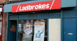 Ladbrokes owner Entain has said it believes it can take pole position in the US sports-betting market, which it estimates could reach $20bn  in revenues by 2025