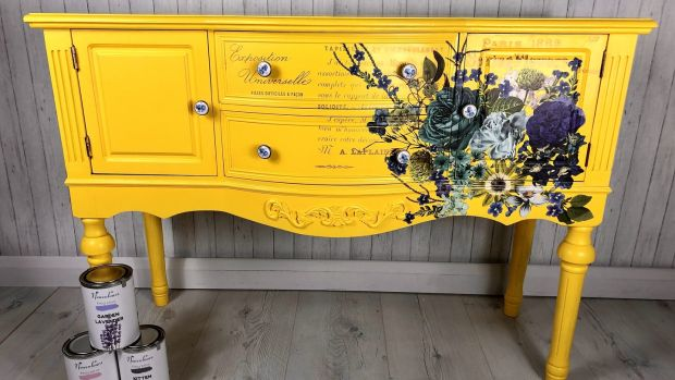 Console table refurbished by Agness Vintage ReDesigns