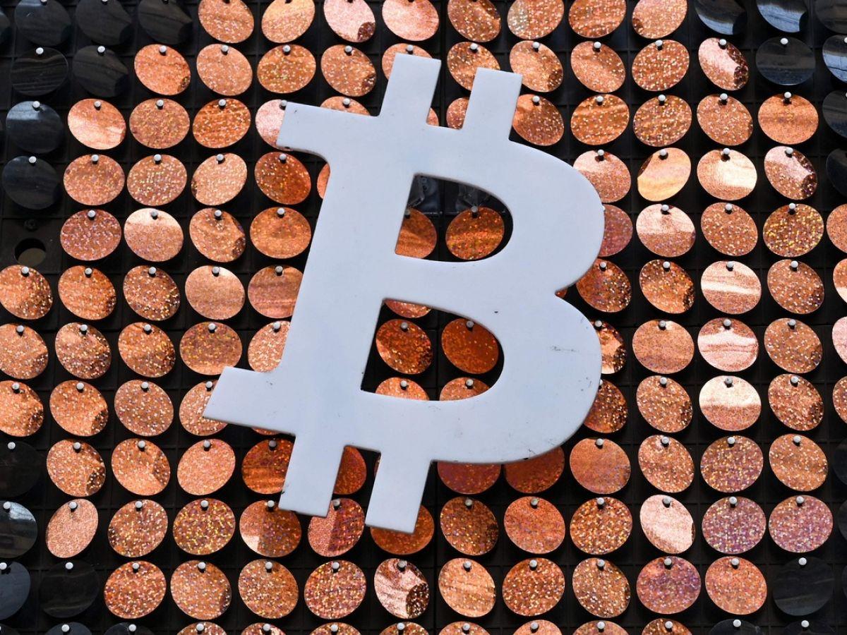 bitcoin köpa lifetime bitcoin mining
