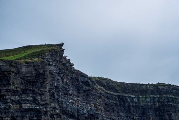 3.03pm, August 3rd: a busy evening on the cliffs with walkers and camera enthusiasts